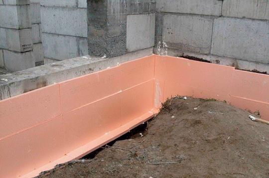 Пять способов прикрепить пенополистирол к стене