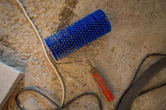 Какие инструменты нужны для самостоятельного монтажа наливного пола