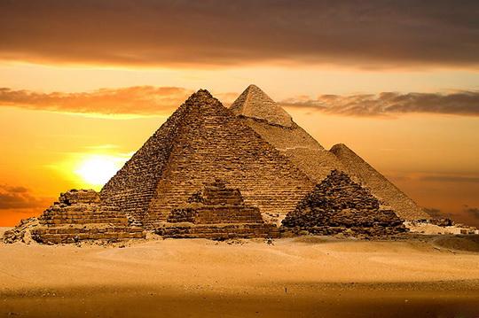 Куда исчезла четвертая великая египетская пирамида