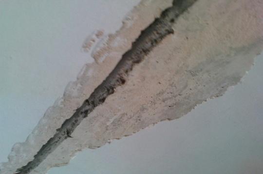 трещины на потолке от соседей судебная практика