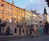 Каменные дома на Площади Рынок