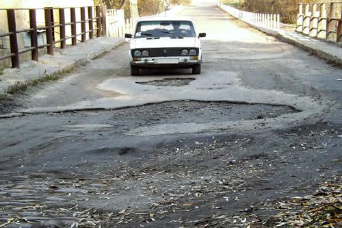 Компания-новичок получит 7 млн. на ремонт дорог