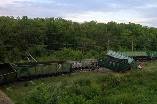 В Донецкой области железная дорога повреждена в 60 местах