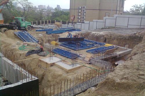 В Черкассах строят новое жилье и ремонтируют дорогу