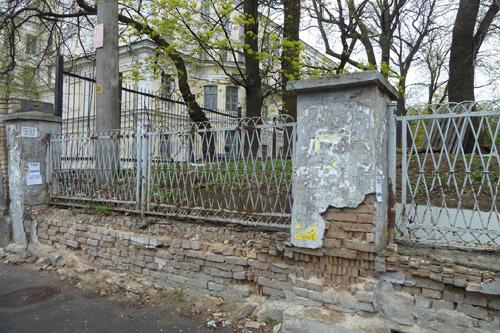 Нашлись спонсоры ремонта столетнего забора в Киеве