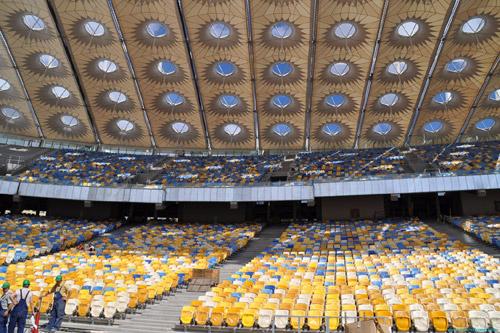 «Олимпийский» еще не оплатил строительство навеса над трибунами
