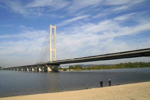 Южный мост в Киеве подлатали