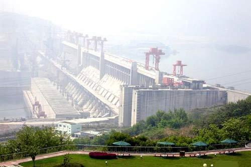 Началось строительство самой высокой и дорогой дамбы в мире