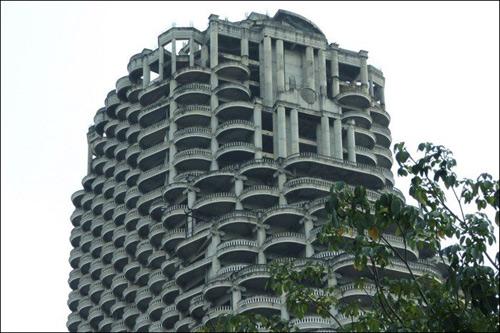 Самый высокий заброшенный небоскреб-призрак в мире