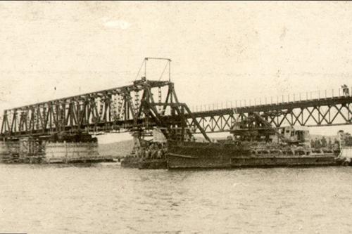 История: Печальный конец первого Керченского моста