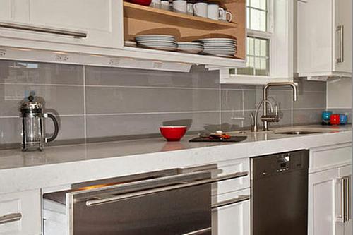Как обустроить маленькую кухню. Видео