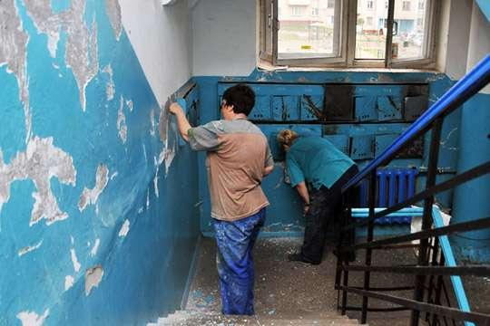 Как, по новым правилам, будут ремонтировать подъезды в жилых домах Киева