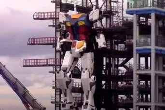 В Японии создали гигантского робота: помесь Годзиллы и Кинг-Конга.  Видео
