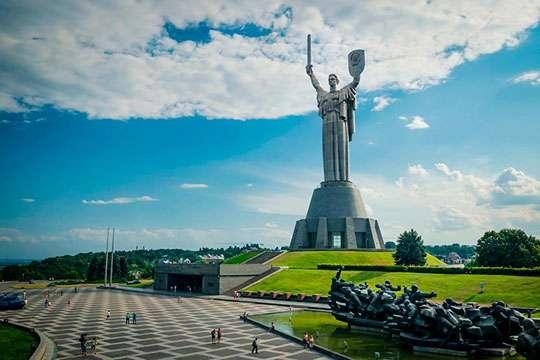 Как в 1981 году в Киеве открывали монумент «Родина-Мать». Подлинная история