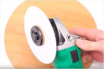 Прикол: придумали бумажный отрезной диск для «болгарки». Видео