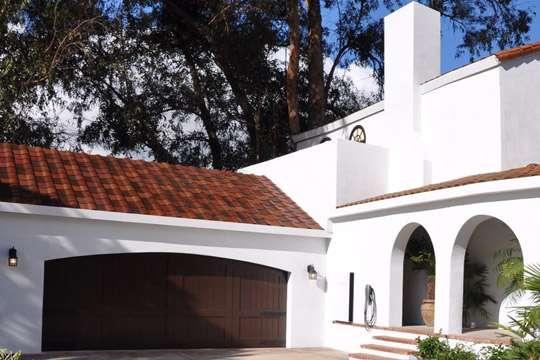 Tesla представила ноу-хау— солнечную крышу