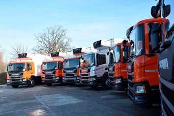 Приколы: как тяжелые грузовики исполнили новогодний Щедрик. Видео