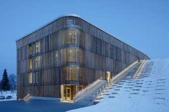 В Швеции построили многофункциональную парковку будущего