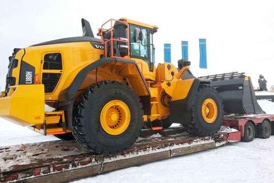 Горняки Ровенской области получили новый мощный погрузчик Volvo
