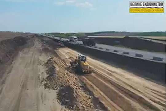 Украинские дороги будет строить техника ведущих европейских производителей