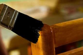 Дерев'яні стільці: шлях з непотребу до витвору мистецтва