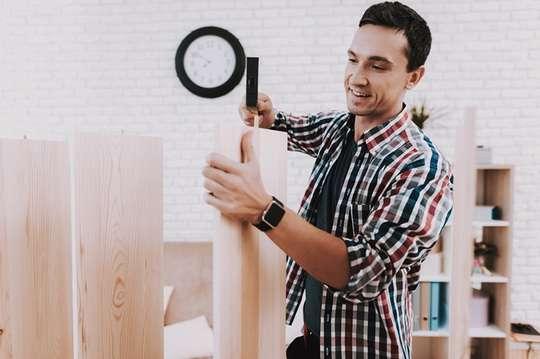 Виготовляємо дерев'яні стелажі для кладової