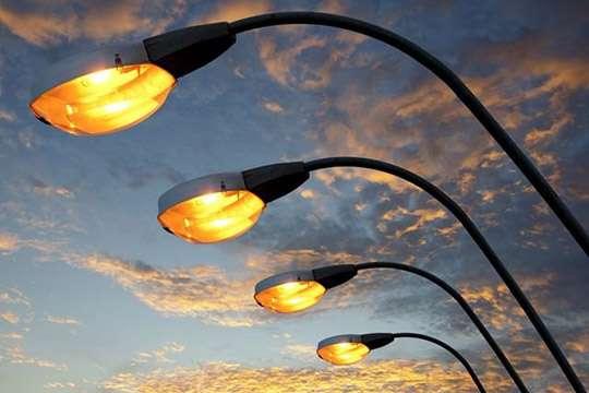 Под Днепром обновляют освещение