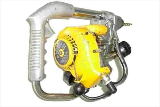 Курьезы: дрель, работающая на бензине