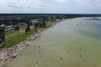 У озера Свитязь застроили пляж