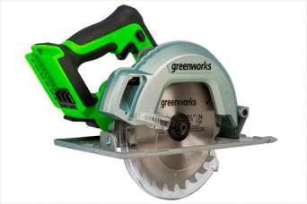 Аккумуляторная дисковая пила Greenworks GD24CS: работа