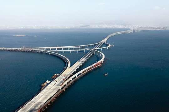 Как выглядит сегодня Керченский мост со стороны Тамани. Видео