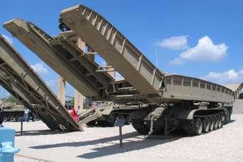 Спецтехника ВСУ: танковый мостоукладчик МТУ-20