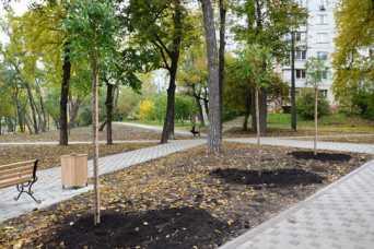 На Чернобыльской отремонтировали сквер