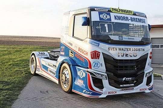 Команда-победитель гонок на грузовиках представила новый болид IVECO