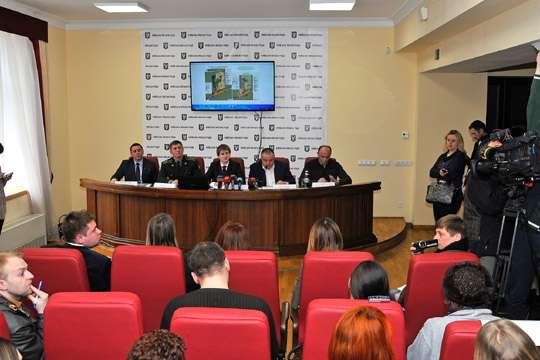 Мать Савченко осталась недовольна подаренным земельным участком вКиеве