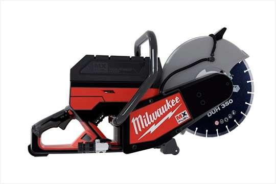 Milwaukee выпустила аккумуляторную 18-вольтовую отрезную машину на диск в 350 мм