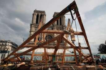 Крышу Нотр-Дама восстанавливают средневековыми способами