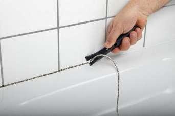 Как восстановить или заменить силиконовые швы в ванной