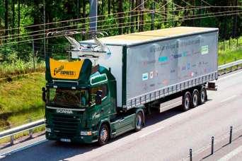 На первый в мире электрический автобан вышли грузовики-«тролейвозы»
