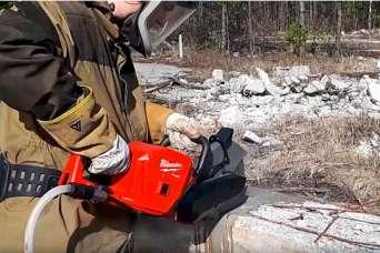 Первая в мире аккумуляторная 18-вольтовая отрезная машина Milwaukee M18 Fuel FCOS230. Обзор-3