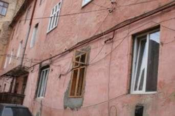 Владельцев квартир в центре Львова заставят вернуть старые окна