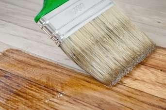 Какие бывают бесцветные лаки для древесины