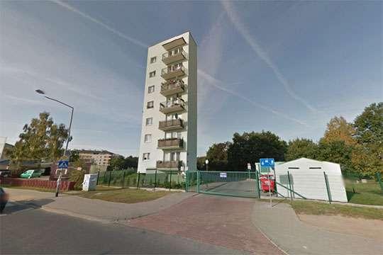 Курьезы: в Польше построили многоэтажку всего на семь квартир. Фото