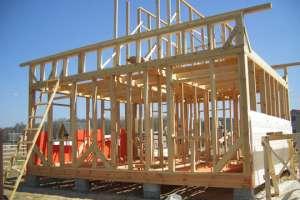 Этапы строительства каркасного дома. Фото