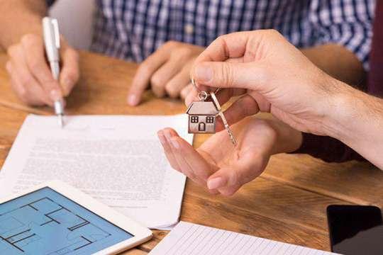 Стоит ли покупать квартиру  с помощью профессионального агентства недвижимости?