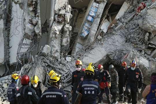 Число погибших при землетрясении наТайване увеличилось до55