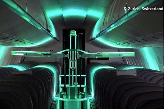 В Швейцарии создали робота для антиковидной обработки салонов самолетов. Видео
