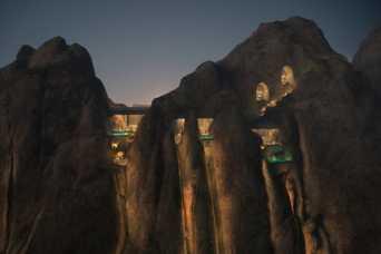 Роскошную гостиницу обустроят внутри горы