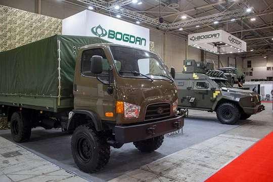 На выставке вооружений показана военная техника украинского производства