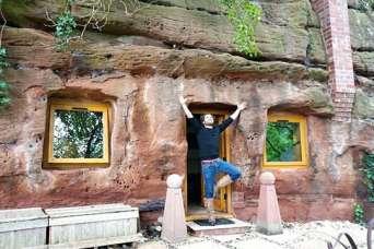 Курьезы: как в Англии из 700-летней пещеры сделали апартаменты